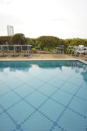 pool08.jpg