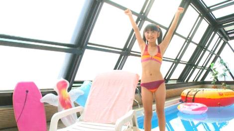 【画像】紐ビキニを着た女子小学生、過激すぎる YouTube動画>1本 ->画像>274枚