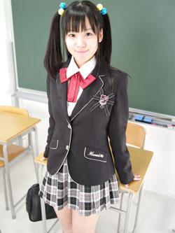 aya_seifuku0001.jpg