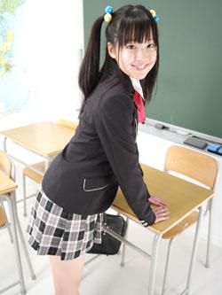 aya_seifuku0004.jpg