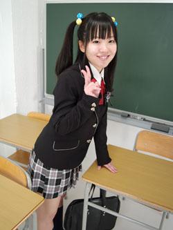 aya_seifuku0005.jpg