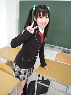 aya_seifuku0007.jpg