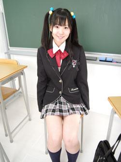 aya_seifuku0009.jpg