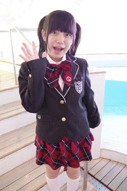 yoshino3seifukupool0000.jpg