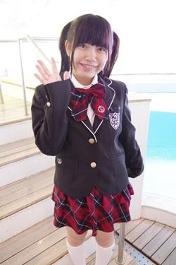 yoshino3seifukupool0001.jpg