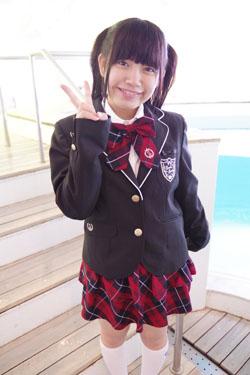 yoshino3seifukupool0002.jpg