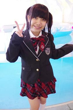 yoshino3seifukupool0006.jpg