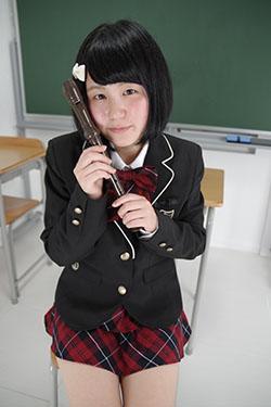 naomi_seifuku0004.jpg