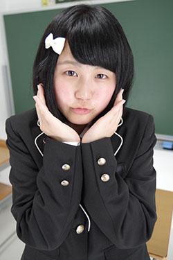 naomi_seifuku0015.jpg