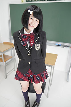naomi_seifuku0019.jpg