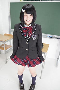 naomi_seifuku0021.jpg
