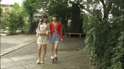 girls_talk_00007.jpg