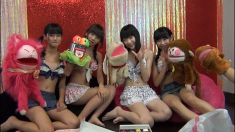 girls_talk_00033.jpg