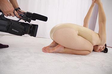 naomi_yoga_m0006.jpg