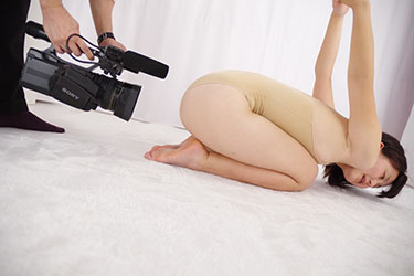 naomi_yoga_m0008.jpg